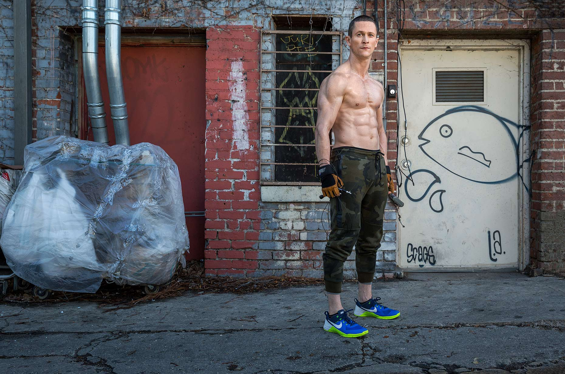 Muscle & Fitness: Jonathan Tucker